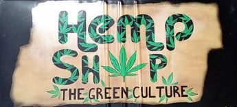 Questa immagine ha l'attributo alt vuoto; il nome del file è hemp-shop-the-green-culture.jpg